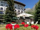 hotel-bellier-en-ete-façade-montagne