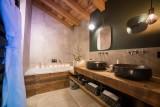 bathroom-5-5356893