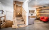 chalet-acajuma-stairs-6215269