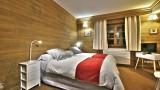 chambre-2-lits-simples-vue-fenetre-4339260