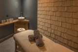 massage-room-5356902