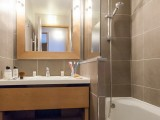 salle-de-bain-residence-les-balcons-de-bellevarde-val-d-isere-6441677