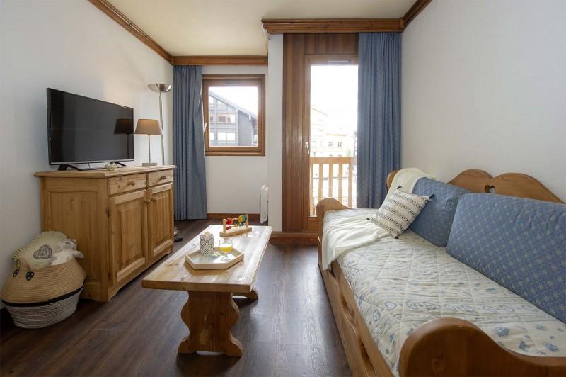 alpina-lodge-2pieces-coin-montagne-7pax-salon-6192340