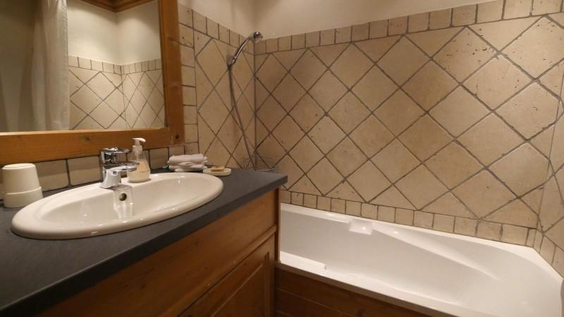 apt-4-salle-de-bain-4330336