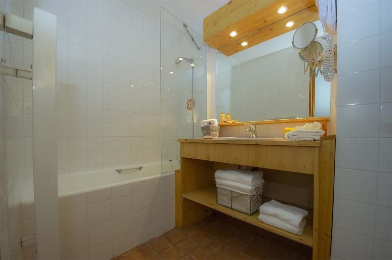 studio-3pax-salle-de-bain-5715359